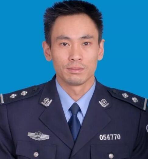 """河南省三门峡市公安局湖滨分局刑警刘文涛:警队""""多"""
