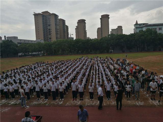 湖南经纬学校给高考生全程提供家庭式温馨服务