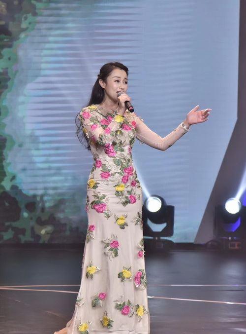 浙江籍歌手陈晨再次获得《华娱星歌汇》原创歌曲大赛年度亚军-中国传真
